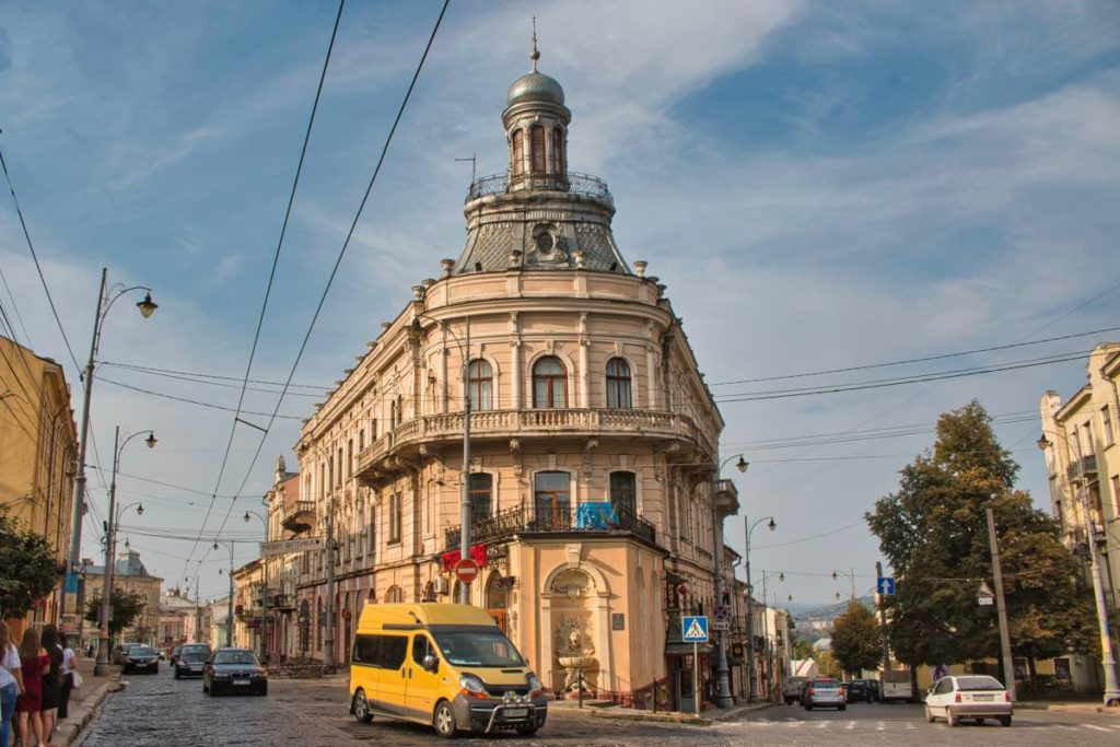 Chernivtsi things to see ship house