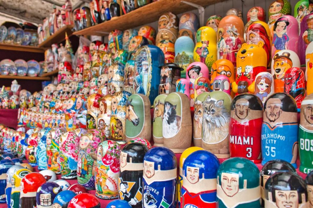 Ukrainian and Russian matryoshkas in Kyiv