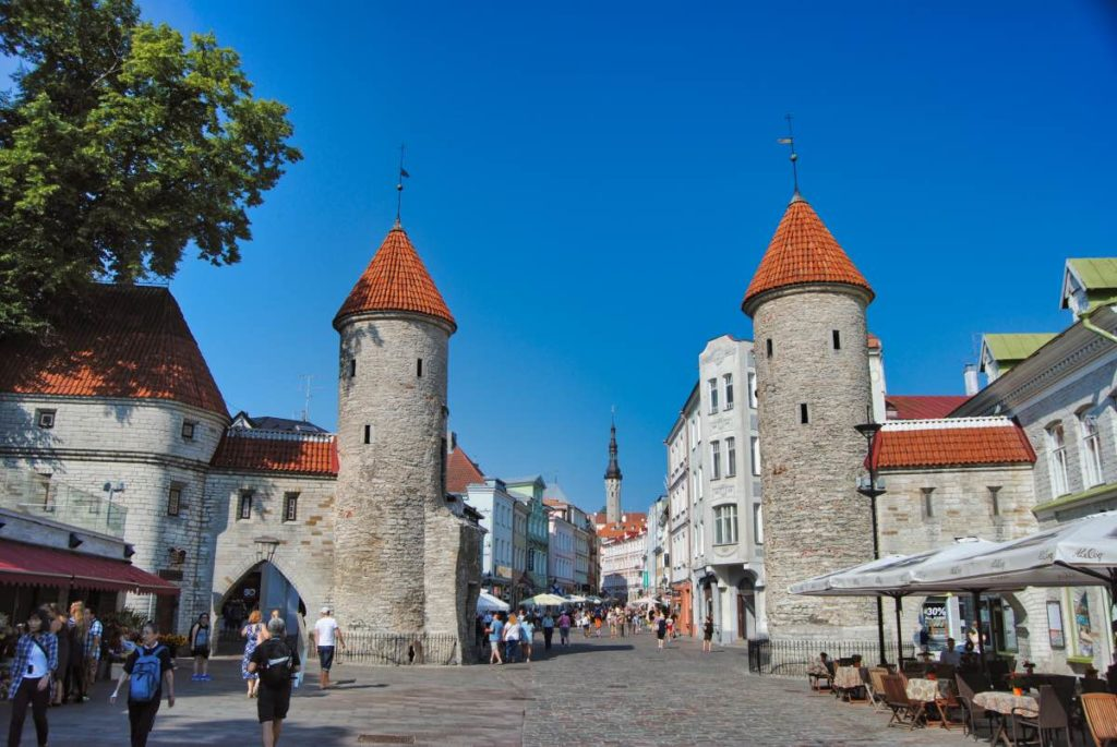 Tallinn things to see viru gate